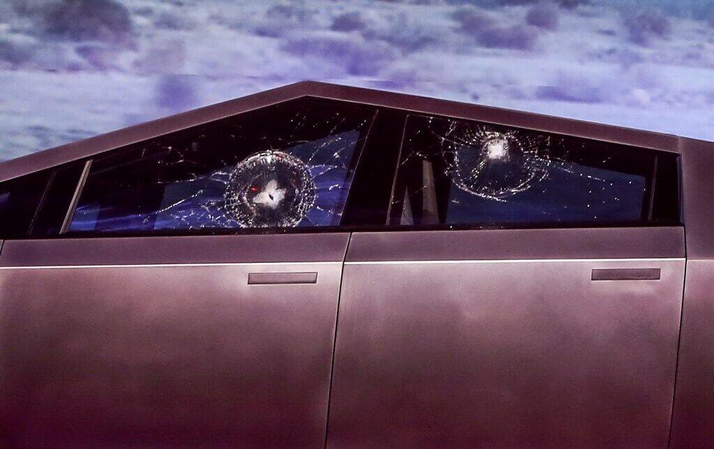 Tesla Cybertruck Shatterproof Window Shatters