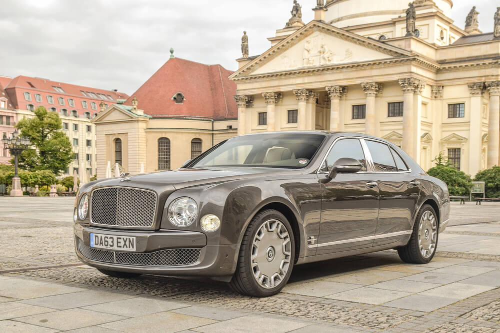 a black Bentley Mulsanne parked at a classy area. - luxury cars rear-wheel drives