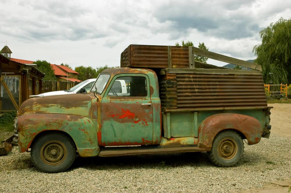 old rusty green pickup truck. - pickup trucks rust