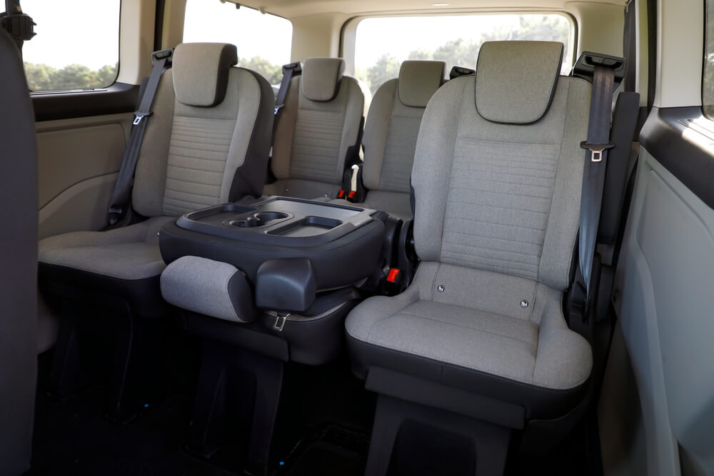 Folding seats and inside Multivan car - pros and cons of heavier cars